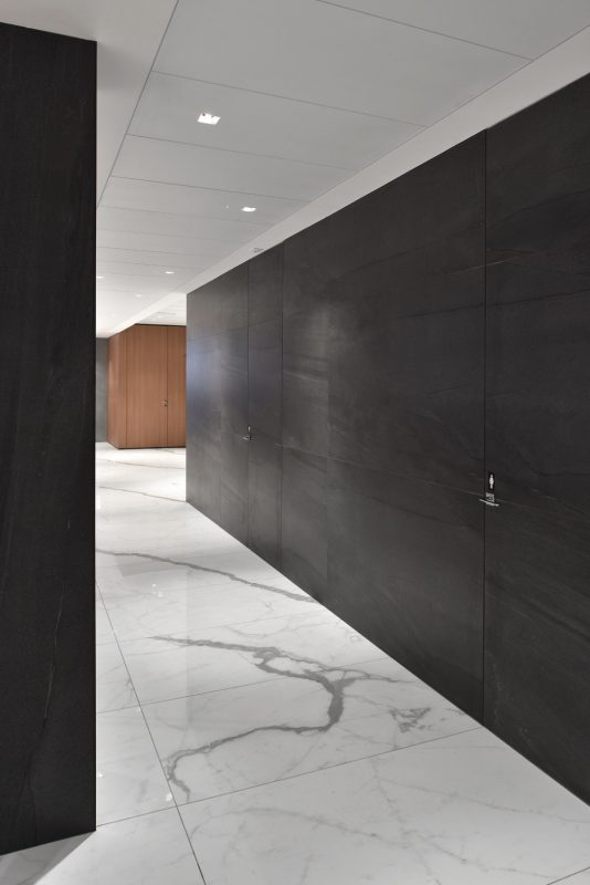 Basalt Stone – Antracite Basalt & Stone Sense – Bianco Venato 10527