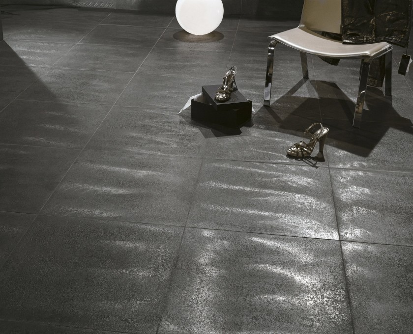 Metallic effect porcelain tiles from our italian collection for Carrelage effet cuir