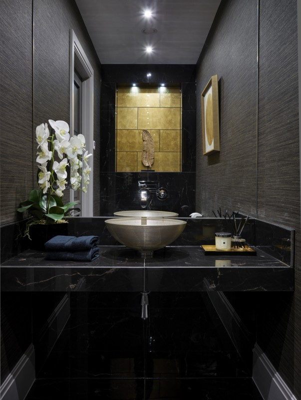 Classico – Obsidian Black and Luxe D'oro (Photo ID: 5618)